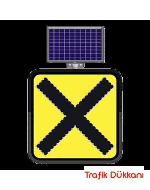 KONTROLSÜZ KAVŞAK - SOLAR LED`Lİ YOL BAKIM LEVHASI(60x60cm)